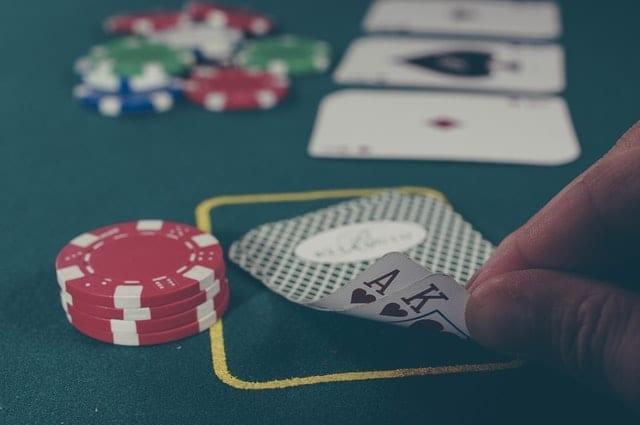 kaarten, pokerchips en pokertafel | privacy en gebruiksvoorwaarden